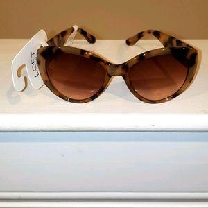 NWT Women's Tan with brown Loft Sunglasses